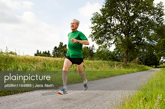 Running - p608m1164889 von Jens Nieth
