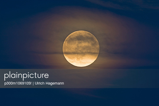 Germany, rise of full moon