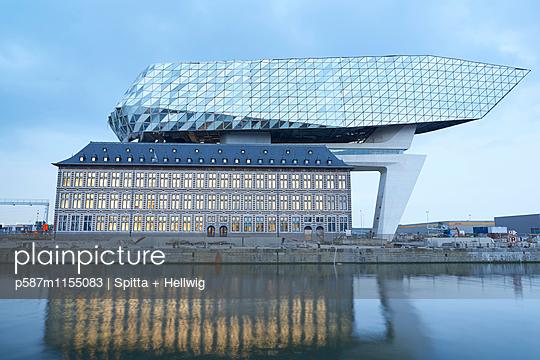 Neues Hafenhaus Antwerpen - p587m1155083 von Spitta + Hellwig