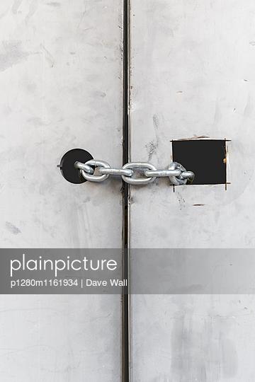Verschlossen - p1280m1161934 von Dave Wall