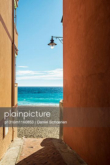 Strand, Varigotti, Finale Ligure, Provinz Savona, Ligurien, Italien - p1316m1160853 von Daniel Schoenen
