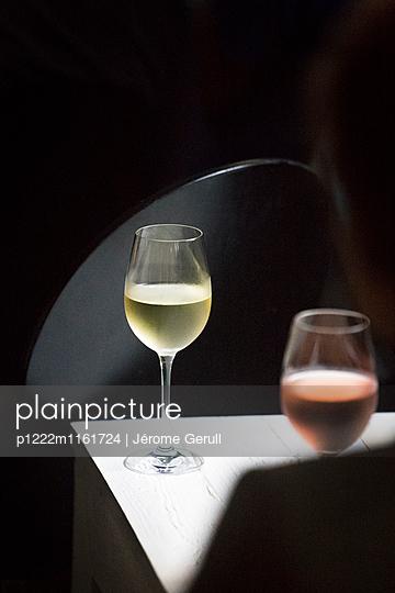 Rotwein und Weißwein - p1222m1161724 von Jérome Gerull