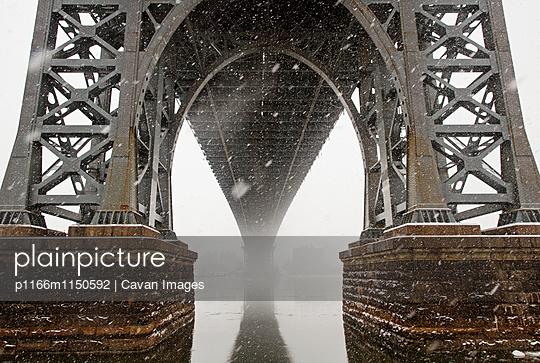 p1166m1150592 von Cavan Images