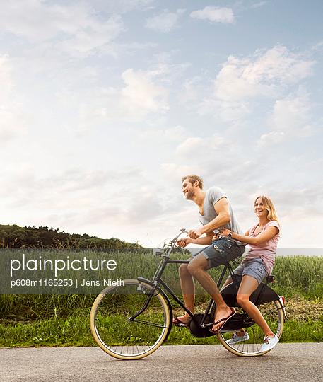 Liebespaar - p608m1165253 von Jens Nieth