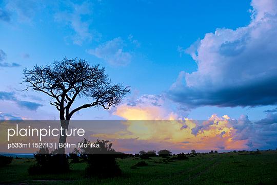 Wolkenstimmung bei Sonnenuntergang - p533m1152713 von Böhm Monika