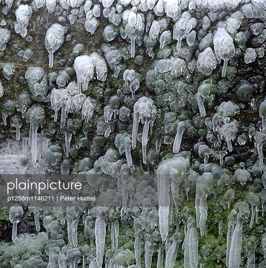 Eiszapfen - p1258m1146211 von Peter Hamel