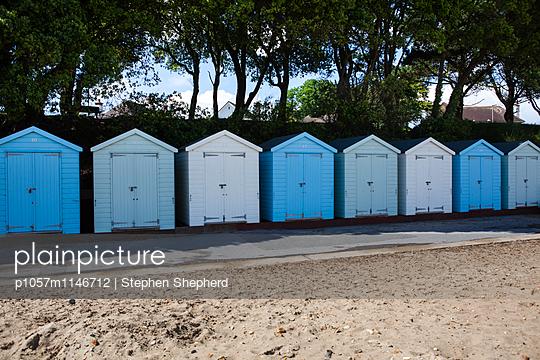 Badehäuschen - p1057m1146712 von Stephen Shepherd