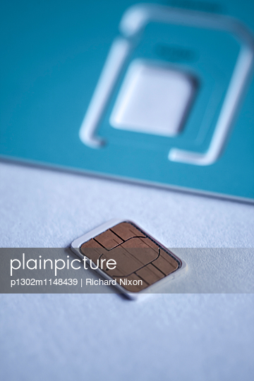 Nano SIM - p1302m1148439 von Richard Nixon