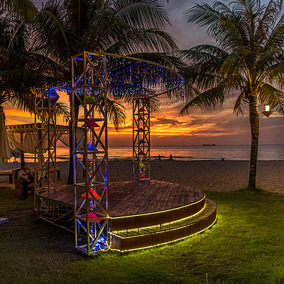 Open air disco at the seaside - p393m1452260 by Manuel Krug