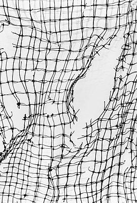 Broken net - p971m2278902 by Reilika Landen