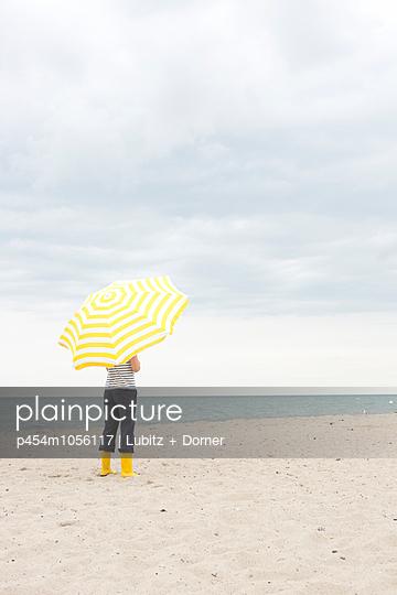 Ruhe und Frieden - p454m1056117 von Lubitz + Dorner