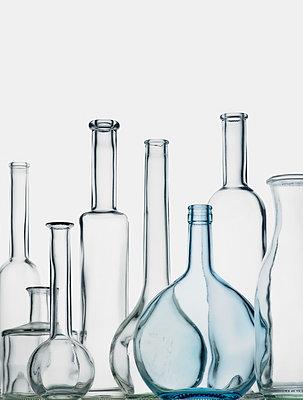 Leere Flaschen - p509m1424262 von Reiner Ohms