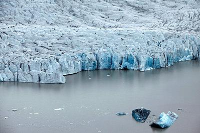 Vatnajökull glacier with coastline, Landmannalaugar, Iceland - p1026m992048f by Romulic-Stojcic