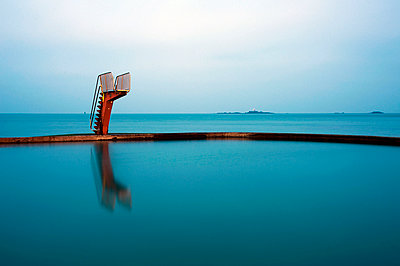 Diving platform - p589m1132528 by Thierry Beauvir