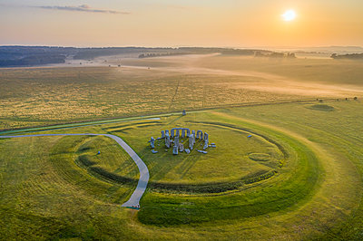 Stonehenge, Salisbury Plain, Wiltshire, England - p651m2135780 by Gavin Hellier