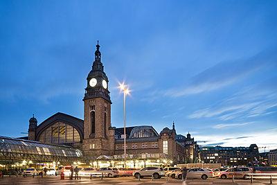 Hauptbahnhof Hamburg - p1222m1222945 von Jérome Gerull