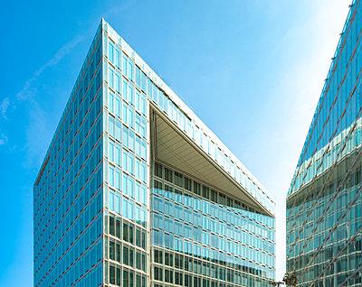 Moderne Glasfassaden, Bürogebäude, Spiegel Verlagshaus - p1332m2203280 von Tamboly
