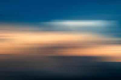 Sonnenuntergang - p171m1219370 von Rolau