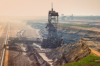 Germany, Juechen, Garzweiler, brown coal mining with bucket-wheel excavator - p300m1023226f by Frank Röder