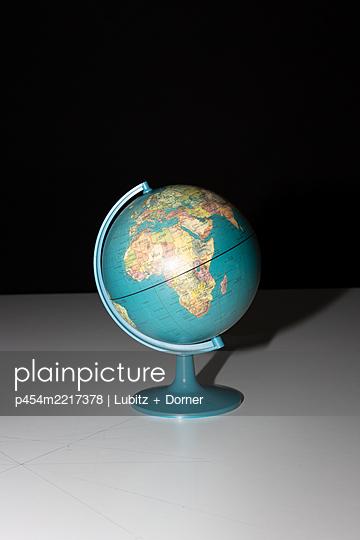 Kleine Welt - p454m2217378 von Lubitz + Dorner