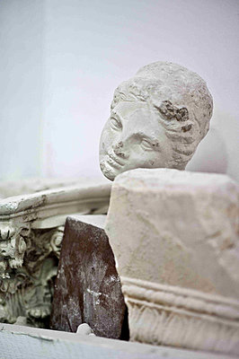 Carved female head and fragments in historic Yeovil home - p349m790941 by Polly Eltes