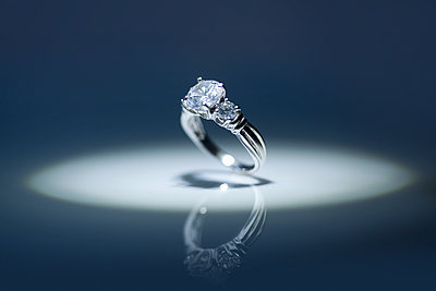 Diamond Ring - p694m2145279 by Novo Images