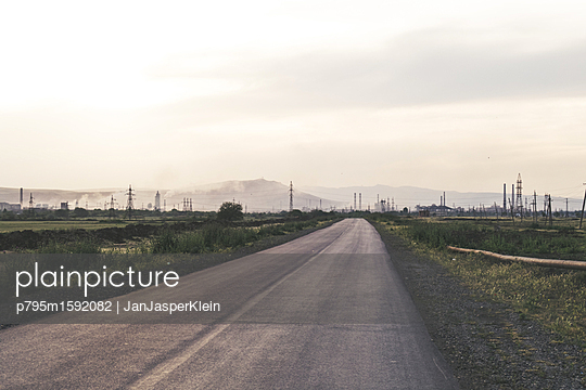 Street to industrial area - p795m1592082 by Janklein
