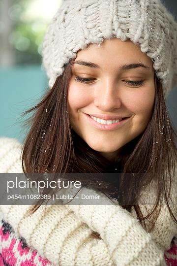 Winter season - p454m1082389 by Lubitz + Dorner