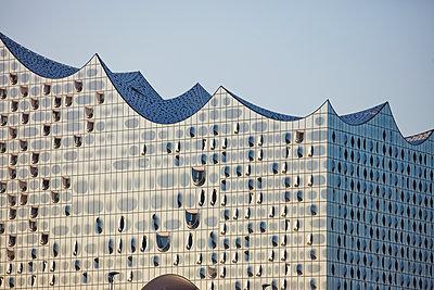 Elbphilharmonie concert hall Hamburg - p719m1133096 by Rudi Sebastian