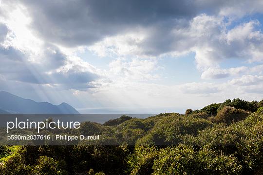 Korsika im Herbst - p590m2037616 von Philippe Dureuil