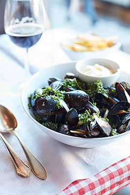 Mussel dinner - p1397m2054844 by David Prince