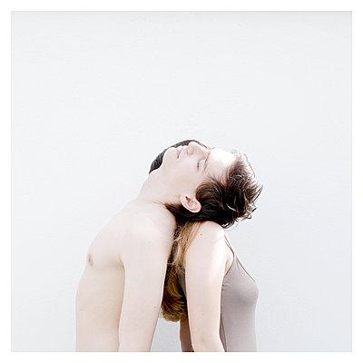 Lovers, Portrait - p1105m2184813 by Virginie Plauchut