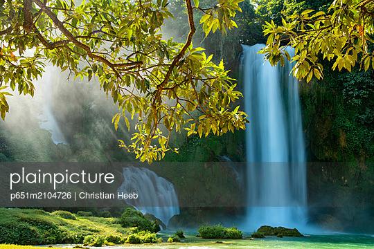 Asia, Vietnam, Daxin County, Ban Gioc Falls, Quay Son river, - p651m2104726 by Christian Heeb