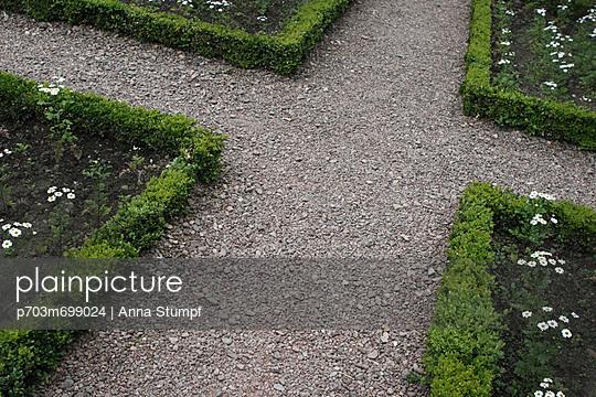 Garden - p703m699024 by Anna Stumpf