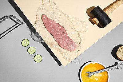 Werkstattküche - Schnitzel - p1322m1154902 von Marie-Therese Cramer