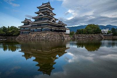 Burg Matsumoto - p1180m965880 von chillagano