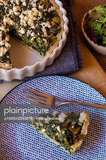 A delicious spinach & feta quiche - p1655m2253878 by lindsay basson