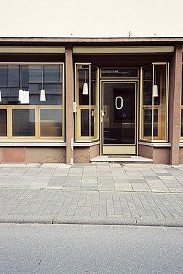 alte Apotheke in Bernkastel-Kues an der Mosel - p9792936 von Lemmler