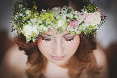 Young bride - p1136m932642 by Sabine Lewandowski