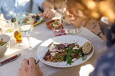 Frisch auf den Tisch - p788m2037504 von Lisa Krechting