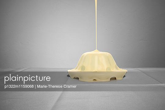 Wackelpudding mit Soße - p1322m1159068 von Marie-Therese Cramer
