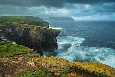 Dramatic cliff top scenery on the wild west coast of Orkney, Scotland, United Kingdom, Europe - p871m2209425 by Adam Burton