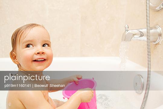 Badespielzeug - p919m1160141 von Beowulf Sheehan