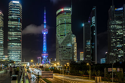 Oriental Pearl Tower - p1243m1057273 by Archer