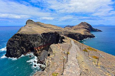 Portugal, Madeira, Rocky atlantic coast, path - p300m1052979f by Kontrastlicht