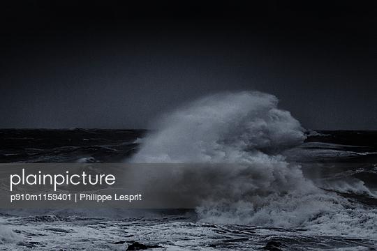 Stürmische See - p910m1159401 von Philippe Lesprit