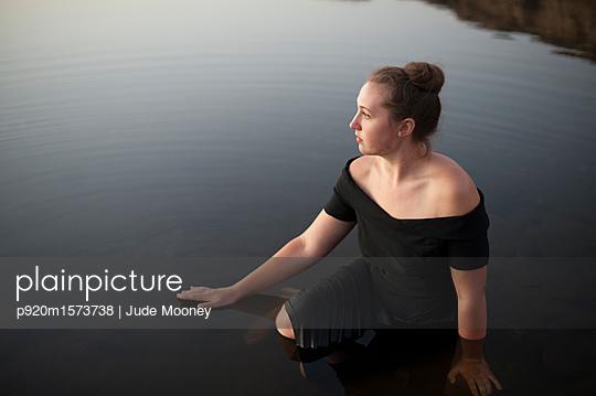 p920m1573738 von Jude Mooney