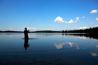 Fischen in Hodalen - p1553m2135082 von matthieu grospiron