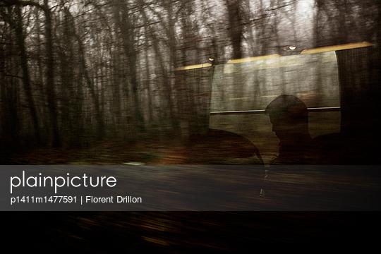 p1411m1477591 by Florent Drillon