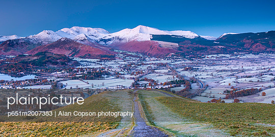 UK, England, Cumbria, Lake District, footpath overlooking Keswick from Latrigg - p651m2007383 by Alan Copson